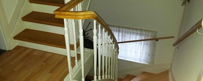 Foto eines Treppenanstrichs
